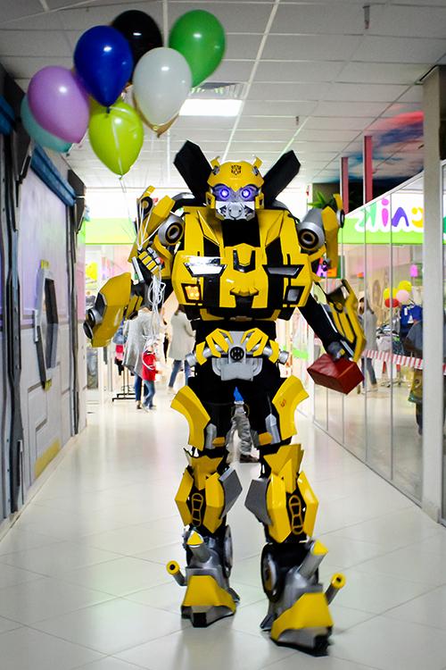 """Аниматор, робот """"Трансформер Бамблби"""""""