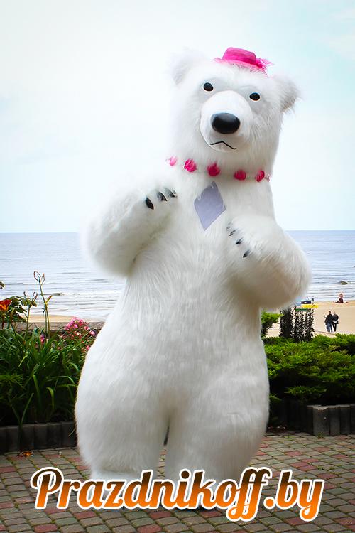 Большой белый медведь аниматор в ростовой кукле