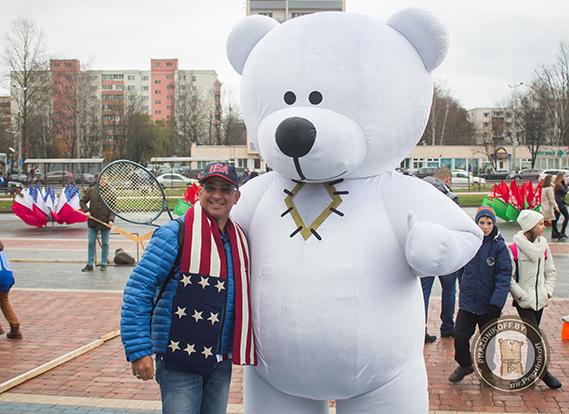 Медведь Тедди на фан зоне Кубка Федерации по теннису. Минск, 2017г